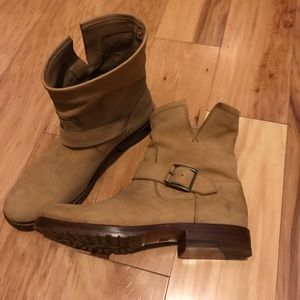 Frye Low heeded Boots
